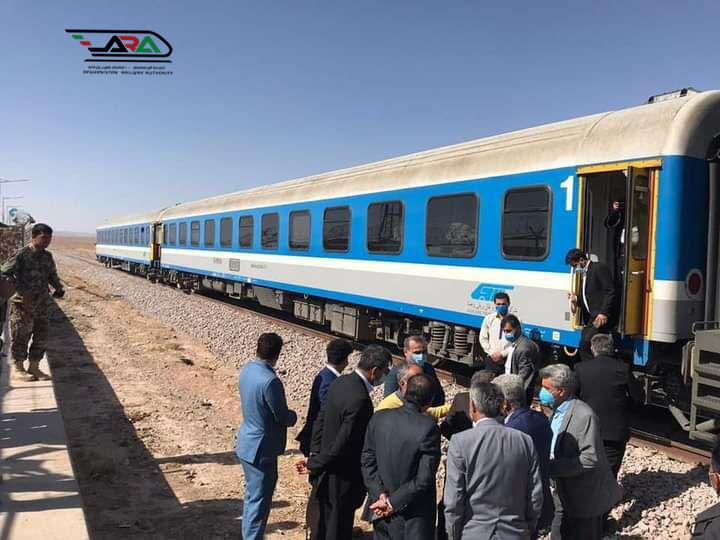 ورود نخستین قطار آزمایشی مسافربری از خاک ایران به افغانستان و بازدید مشترک هیأتهای دو کشور از تأسیسات خط آهن خواف- هرات